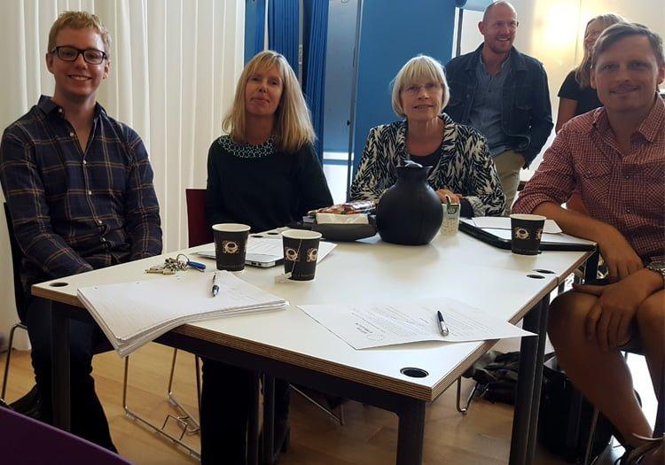 Lærergruppe ved bord